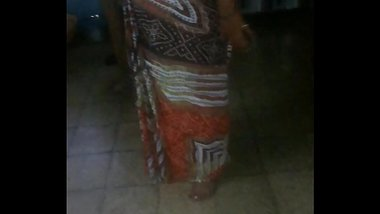 Desi aunty ass show