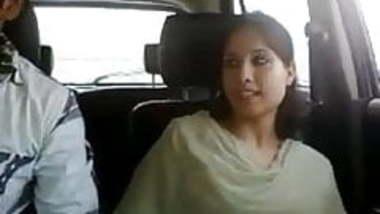 Sudhh desi car sex video with clear audio