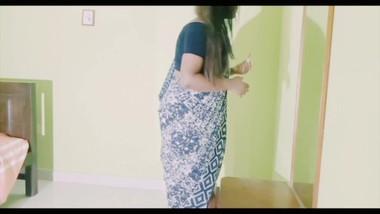 Srilankan school teacher fuck & food job in sashivindya ස්කෝලේ ටීචට හොදටම ගැහුවා.