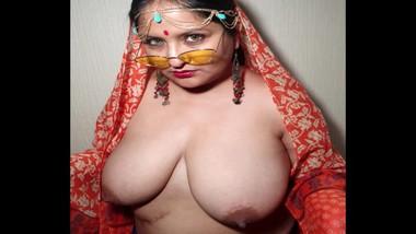 Namaste - Indian XL girl