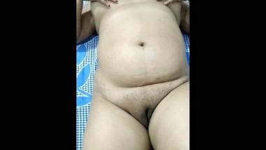 Indian girl big ass nude play