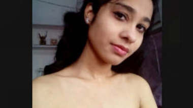 Beautiful Lucknow Girl Showing And Fingering