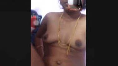 desi bhabhi show nude on video call