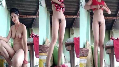 Sweet Dehati Bhabhi striptease MMS video