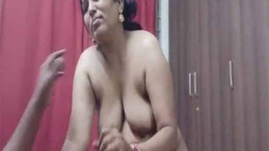 Super busty Indian Randi sucking client's dick on cam