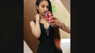 Beautiful Sexy Tamil Girl fucking Mms