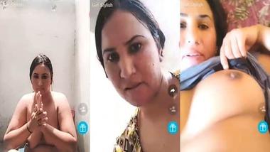 Busty milf aunty Pakistani nude selfie MMS