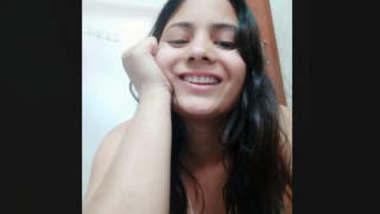 Cute Desi Girl Fingering Part 1