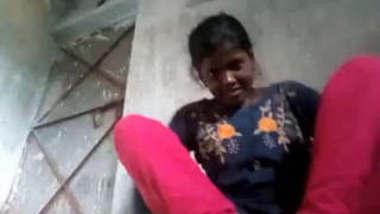 Desi Village Girl Nude Expose and Masturbating 2 Videos Part 1