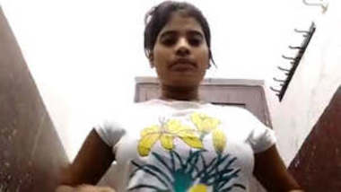 Desi girl showing her bf