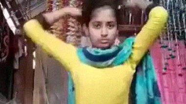 Cute dehati college girl ki stripping and fingering MMS