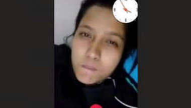 Cute Desi Girl Showing her Boobs On Video Call