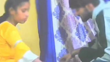 Yellow kameez wali ladki enjoying sex with her handsome BF