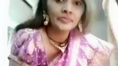 NAUGHTY MATURE DESI AUNTY GOES FULL NUDE
