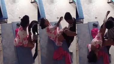 Desi college girl sex with her boyfriend on bench