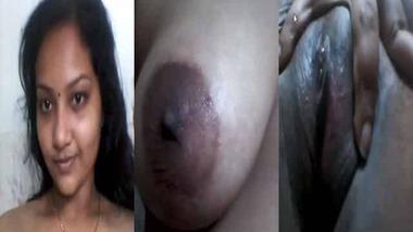 Beautiful Indian wife nude show in bathroom