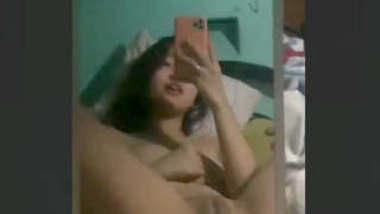 Very horny desi girl fingering