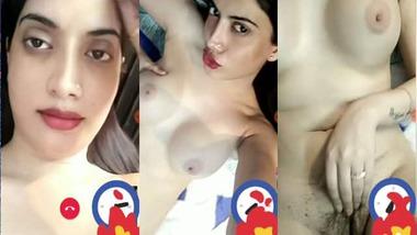 Sexy Indian GF selfie nude MMS clip