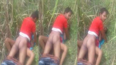Bihari outdoor sex MMS video captured by a voyeur