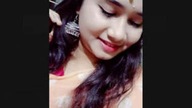 Sexy Bangladeshi Girl Showing Her Boobs and Pussy