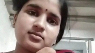 Chhindwara desi wife exposing butter boobs