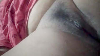 Bhabhi Showing Her Pussy