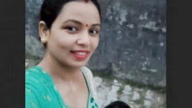 Indian Village Hot Bhabhi Bathing