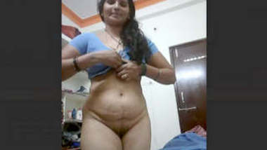 Horny Indian Desi Milf Bhabhi