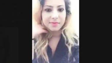 Horny Paki Girl Record Nude Selfie