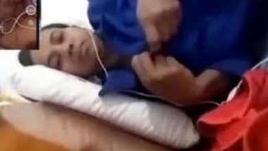 Big Booby SL Bhabi On Video Call 2 Videos Part 1
