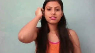 Sexy Desi gilr Showing Her Pussy and Play with Dildo