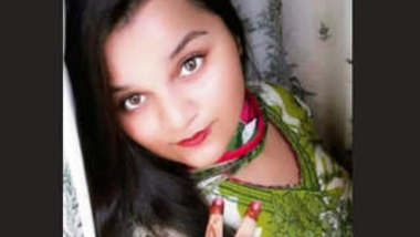 Paki Girl Showing Boob and PussyOn Video call Part 1