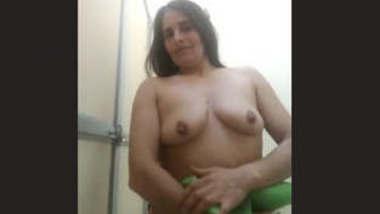 Sexy Bhabhi Showing Boobs