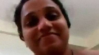 Indian shy aunty riding lund home sex video