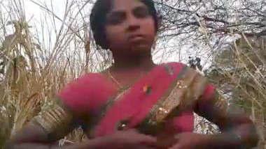 Village bhabhi fucking in Jungle