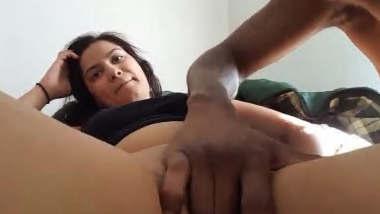 Indian Bhabhi Pussy Fingering