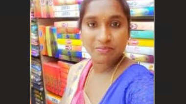 Horny Tamil Bhabhi Showing Nude Body on Video Call