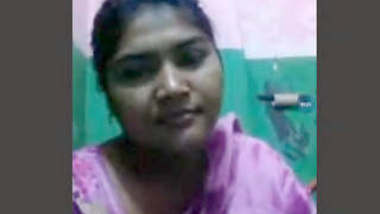 Sexy Bangla Girl Showing her boob and Pussy