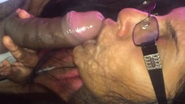 hot girl deepthroat blowjob to indian cock