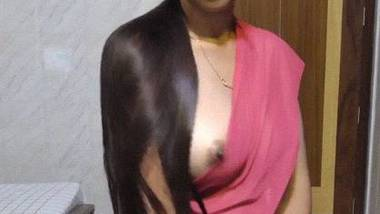 Treasure inside saree show