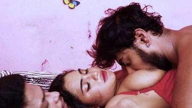 Room Mate (Hindi) Gupchup Adult webseries S1E2