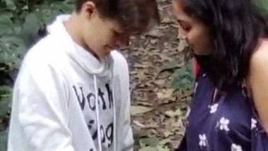 NRI girl shaking cock of boyfriend