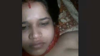 Horny Desi Bhabhi Pressing Her Boobs and Fingerring