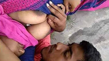 Cute Indian Girl Boobs Sucking by Bf