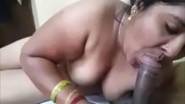 Hardcore Desi blowjob sex video with audio