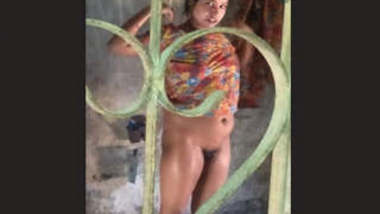 Desi Hot Bhabhi Nude Bath Videos Part 3