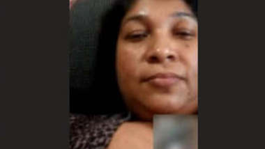 SL Bhabhi Showing On Video Call