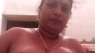 Mallu Kerala aunty naked solo