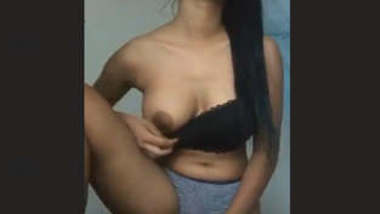 Sexy Sri Lankan Girl 1 more New Leaked Video Must Watch Guys Part 2