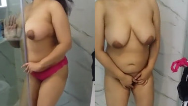 Horny Indian Bhabi Stripes Clothes and Fingering